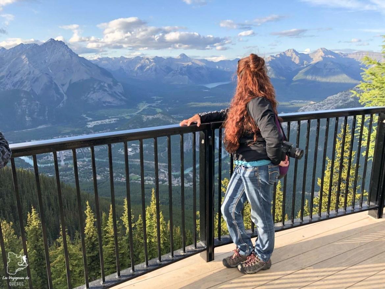 Devant les Rocheuses à Banff en Alberta dans notre article Quand le voyage t'aide à garder la tête hors de l'eau #reflexion #voyage #depression