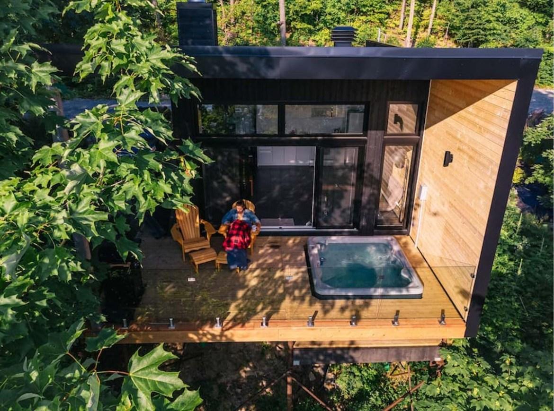 Location mini-chalet chez HOM en Outaouais dans notre article 8 mini-maisons et mini-chalets au Québec à louer pour vos vacances #minimaison #minichalet #hebergement #quebec #vacances