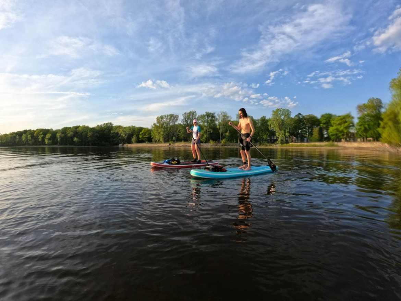 SUP au Cap Saint-Jacques à Montréal dans notre article 5 spots de SUP (paddleboard) à moins de 1 heure de Montréal pour débutants #SUP #paddleboard #montreal #quebec