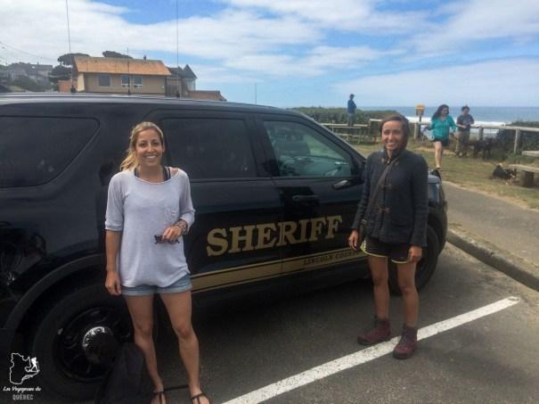 Lift par le sheriff en Oregon dans notre article Voyage en auto-stop : De l'Alaska à la Californie sur le pouce, une aventure humaine #autostop #pouce #voyage #usa #canada
