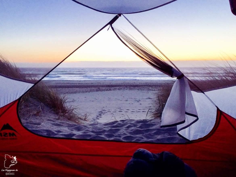 Camping sur le bord de l'eau dans notre article Voyage en auto-stop : De l'Alaska à la Californie sur le pouce, une aventure humaine #autostop #pouce #voyage #usa #canada