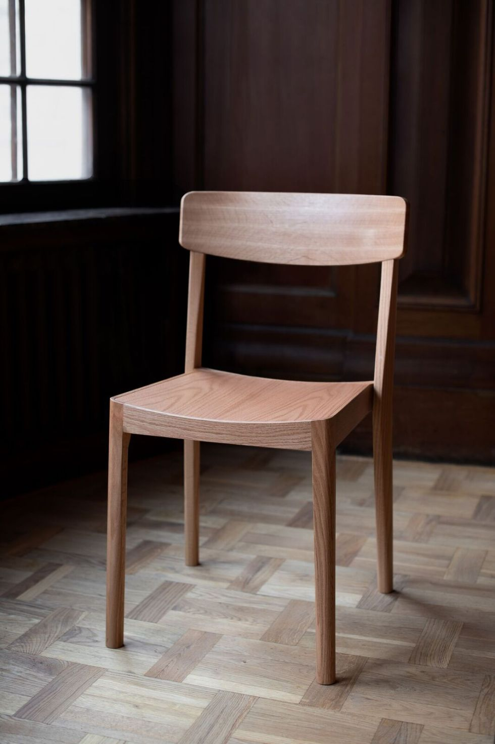 carved chair staffan holm les vrais