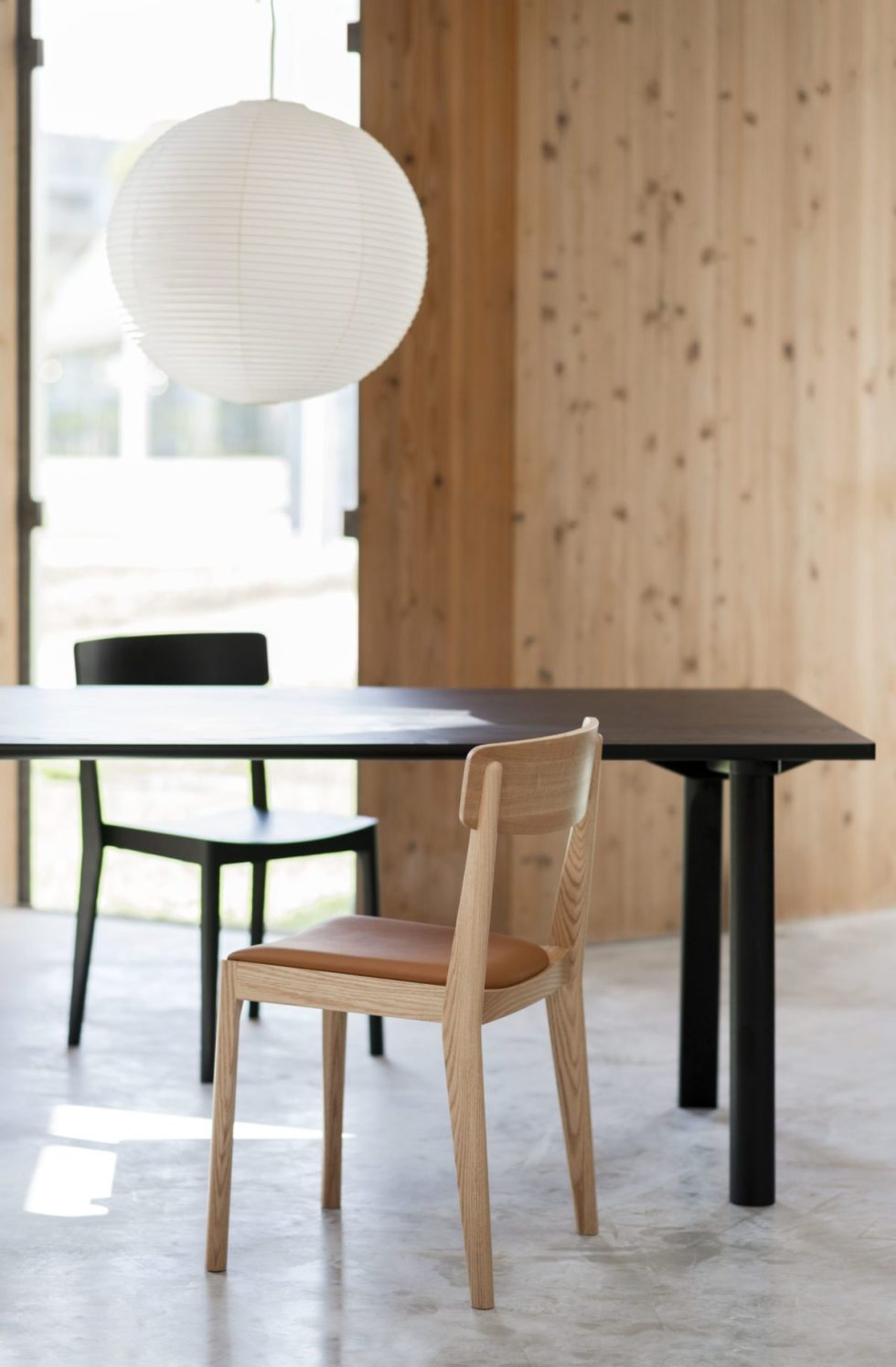 kadai table with ariake chairs diffrent colors and fabrics