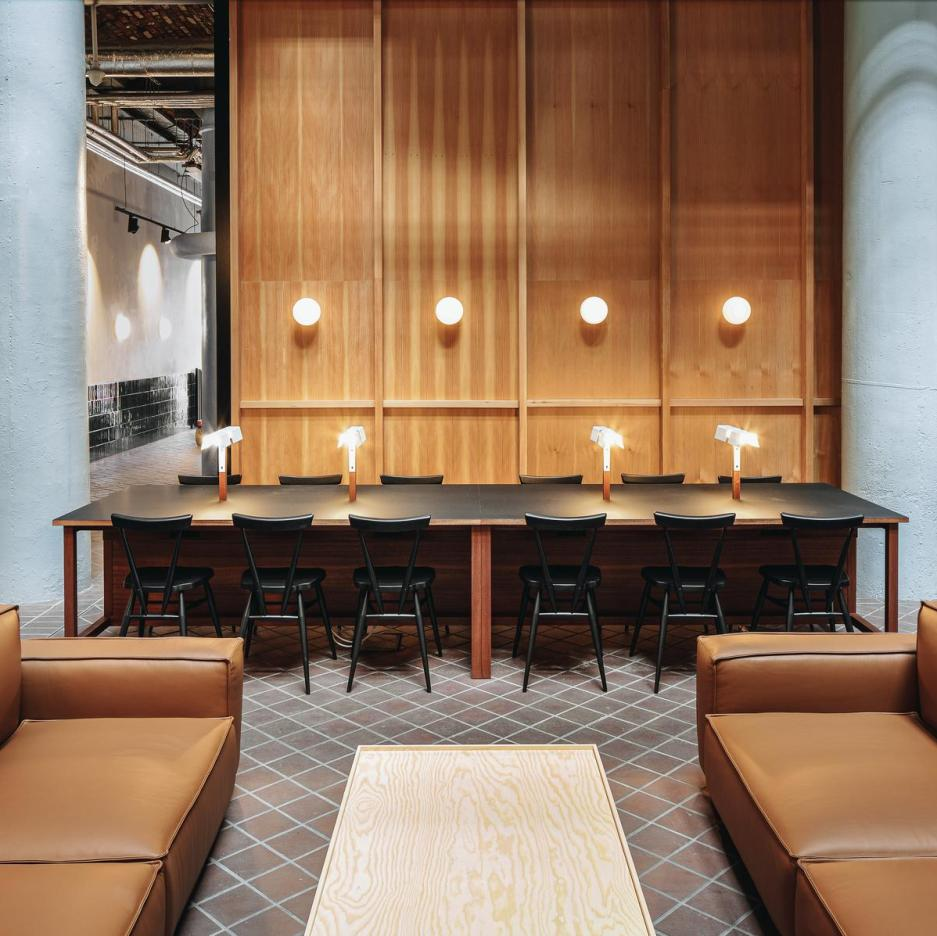 Cultureplex Manchester, Ariake, Saga Chairs, LES VRAIS