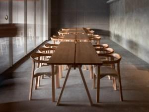 Arita Huis Saga Ariake Staffan Holm chair Dovetail stool LES VRAIS