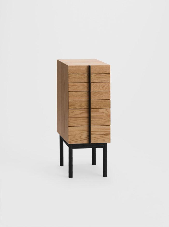 column chest oak ariake