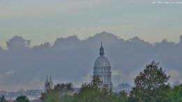 La cathédrale de Boulogne, dans la brume vespérale