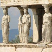 Les vêtements de la Grèce antique : himation, chiton, exomide et chlamyde