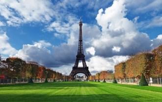 Paris-Z_letalom_na_poti