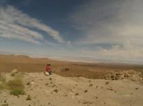 Laetitia contemple une dernière fois le désert d'Atacama