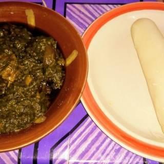 Manger du eru à Yaoundé