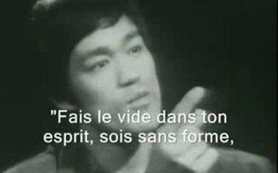 «Sois comme l'eau» – Bruce Lee