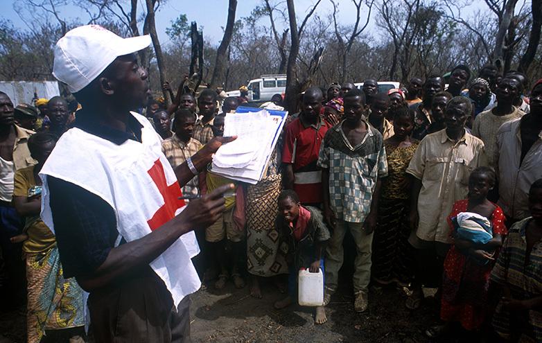 Virus-Ebola-deploiement-d-une-equipe-ERU-en-Guinee_slideshow