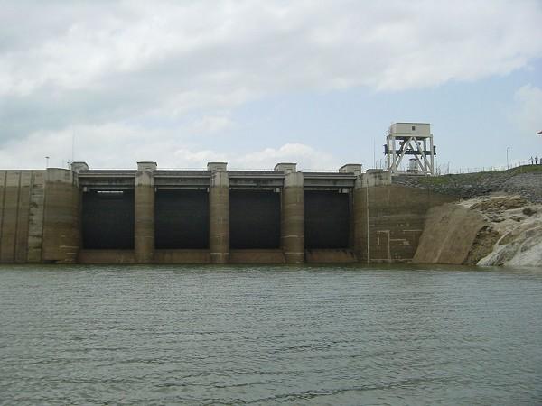 Installation du barrage Nangbéto 2