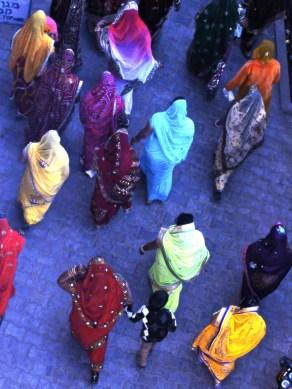 women going to a wedding, Pushkar, Rajasthan