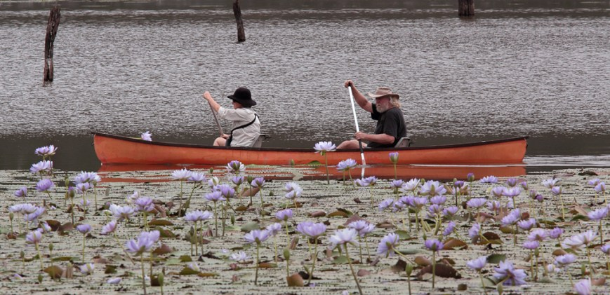 Paddling-on-Lake-Nuga-Nuga
