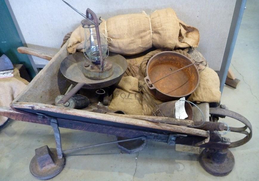 Old-wheelbarrow