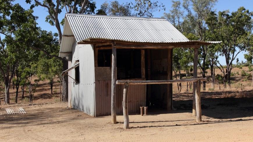 Replica-Hut
