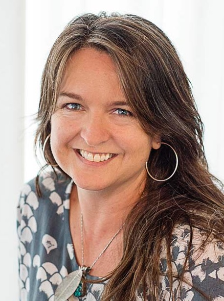 Martina Duel is Let Love In's creator and facilitator. Martina has been working with health and well-being for 30 years, originally as a Physiotherapist, and later as a Counselor and workshop facilitator. Relationship counseling, dating support, how to have love in your life.