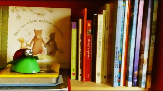 """ALT: """"decje knjige"""""""