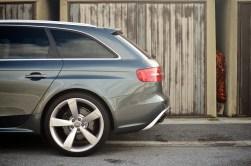 AUDI-RS4-2012-Tone 1