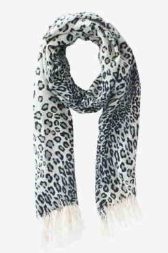 https://www.letote.com/accessories/2189-lena-leopard-scarf