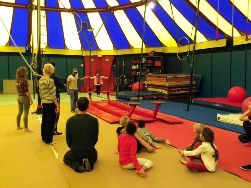 ecole_de_cirque_formation_professionnelle_Paris_cirque_stage_decouverte_enfants_02_letourdumondeengalipette_Ahmed_Said