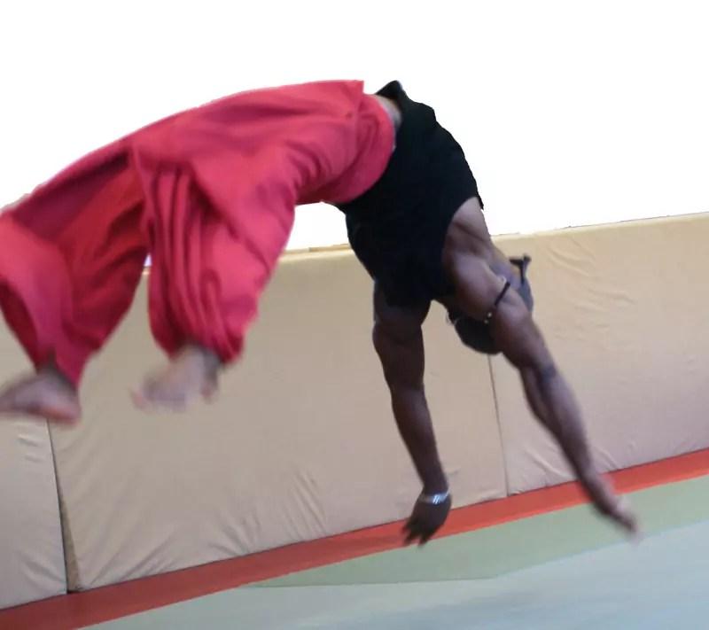 ecole_de_cirque_formations_amateur_Paris_Ahmed-Said_Acrobatie_letourdumondeengalipette
