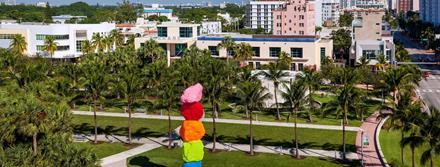 Ugo Rondinone: La Montana de Miami: