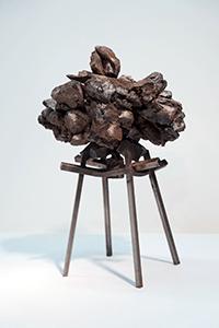 Levedad pétrea: esculturas de pequeña escala por Del Geist