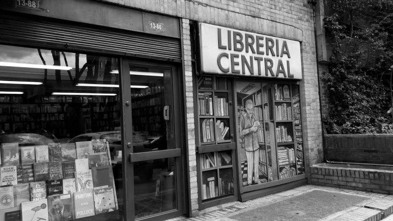 La Librería Central y la Galería El Callejón de Bogotá. Espacios y personajes que tejieron el legado cultural de Colombia. | Letra Urbana