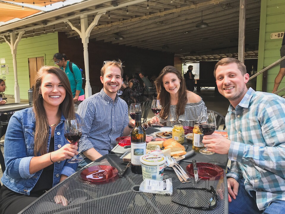 Wine tasting and picnic in Saratoga, California
