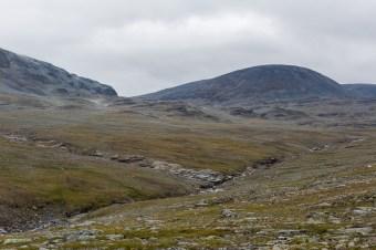 Gaskkasjohka har grävt sig ner till en djup ravin.