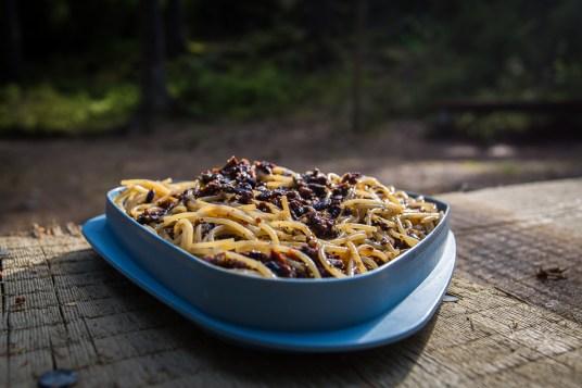 Pasta med oliver och kapris