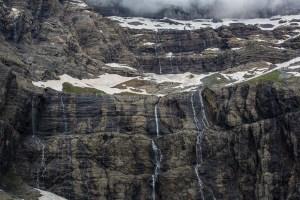 Många vattenfall i cirquen