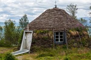 Den nya kyrkkåtan i Vájsáluokta