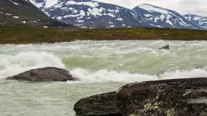 Forsen mellan Alisjávri och Rádujávri högvatten