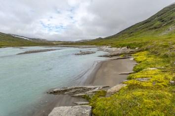 Fina små sandstränder vid Lájrrojåhkå