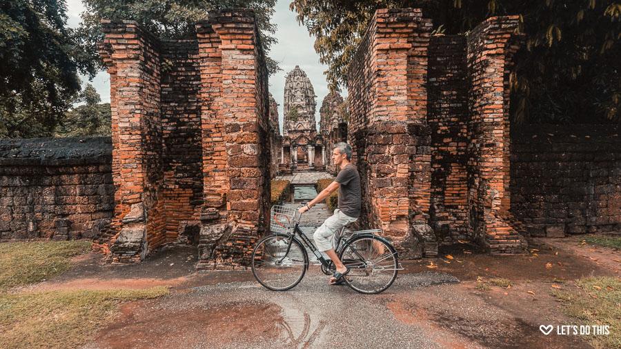 mit dem Rad durch Sukhothai