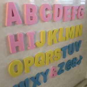 百均 ダイソー セリア キャンドゥ アルファベット文字 おもちゃ