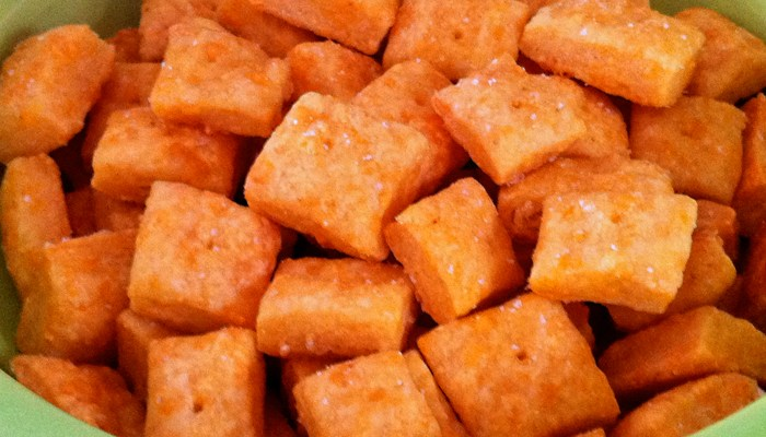 Cheese Crack: Over-The-Top-Addictive Cheesy Snack Crackers