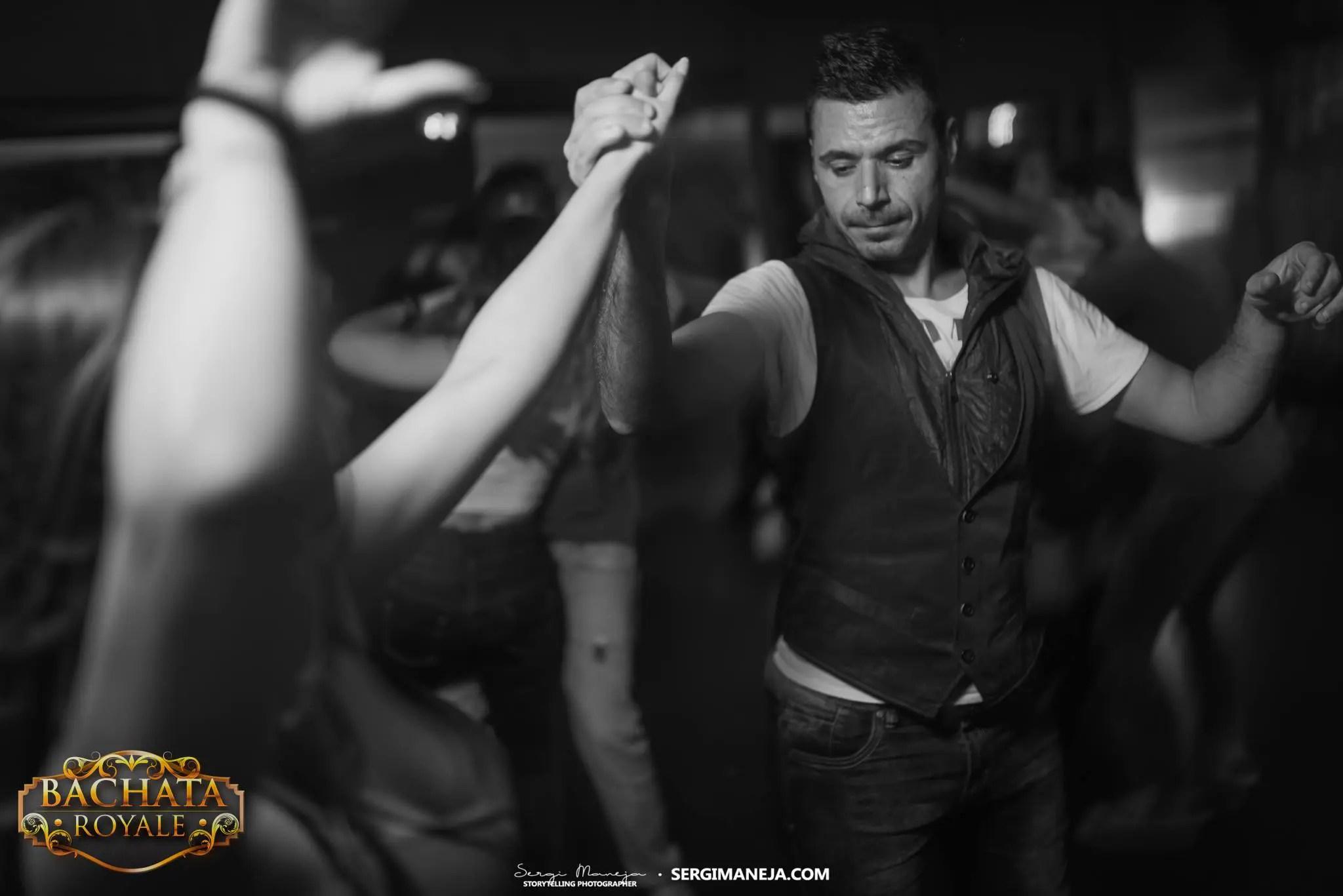 Alex Alberola dancing in social - Let's Dance Bachata