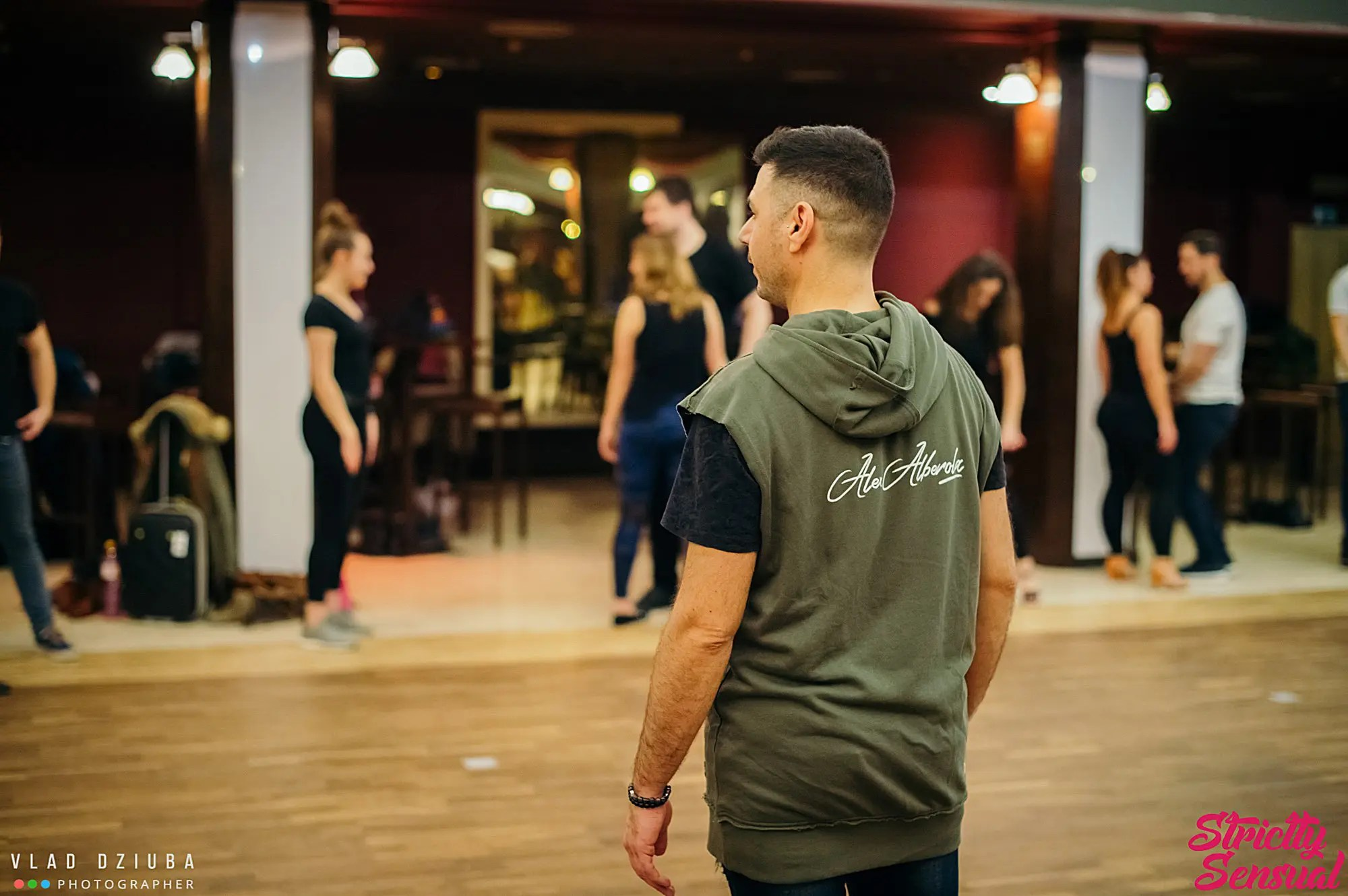 Alex Alberola teaching during a workshop - Let's Dance Bachata