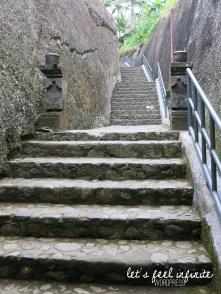 Guning Kawi - Escaliers 4