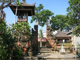Jalan Pantai Kuta Temple 1