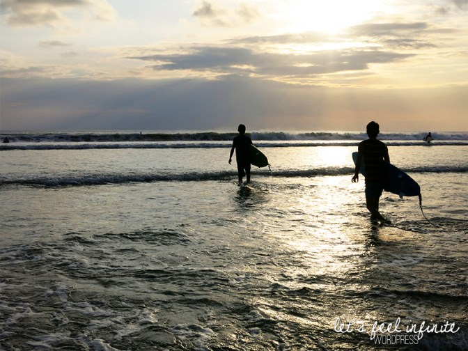 Plage de Kuta - Surfers