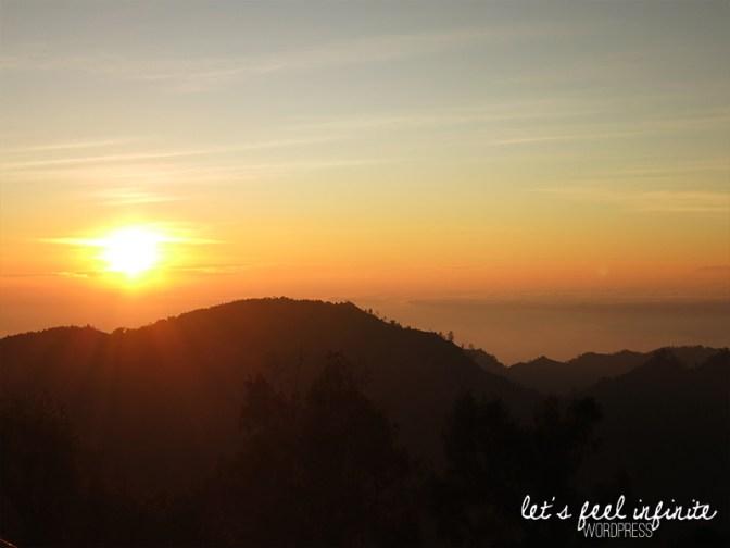 Lever de soleil vu depuis Pananjakan
