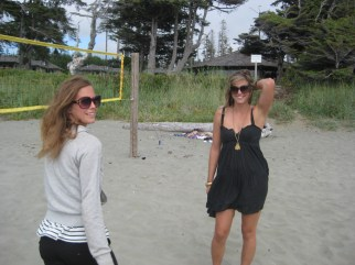 Lena and I hanging out on the beach in Tofino, Vancouver island, Canada, after a sweet surf session!