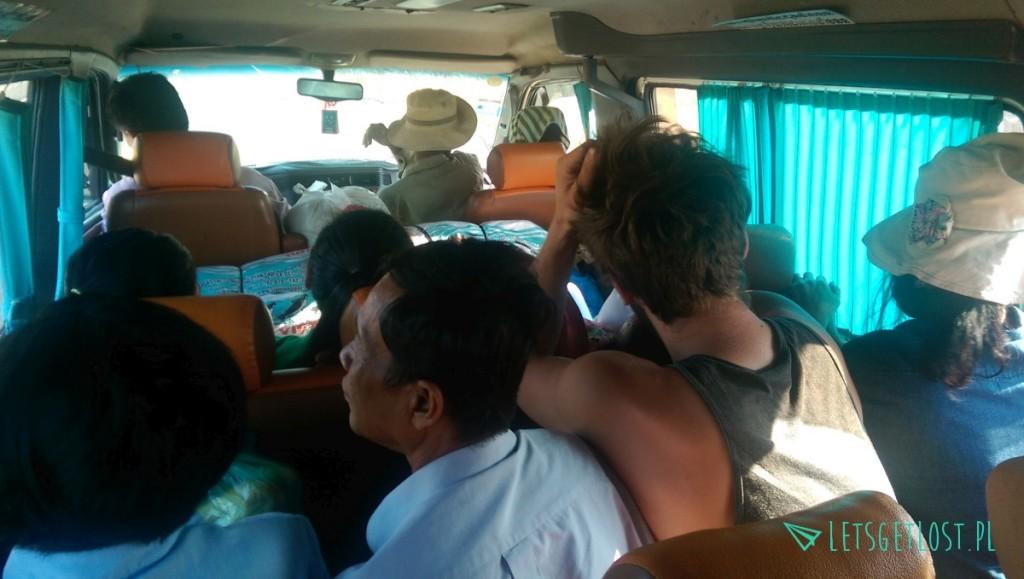 Jazda busem do Stung Treng