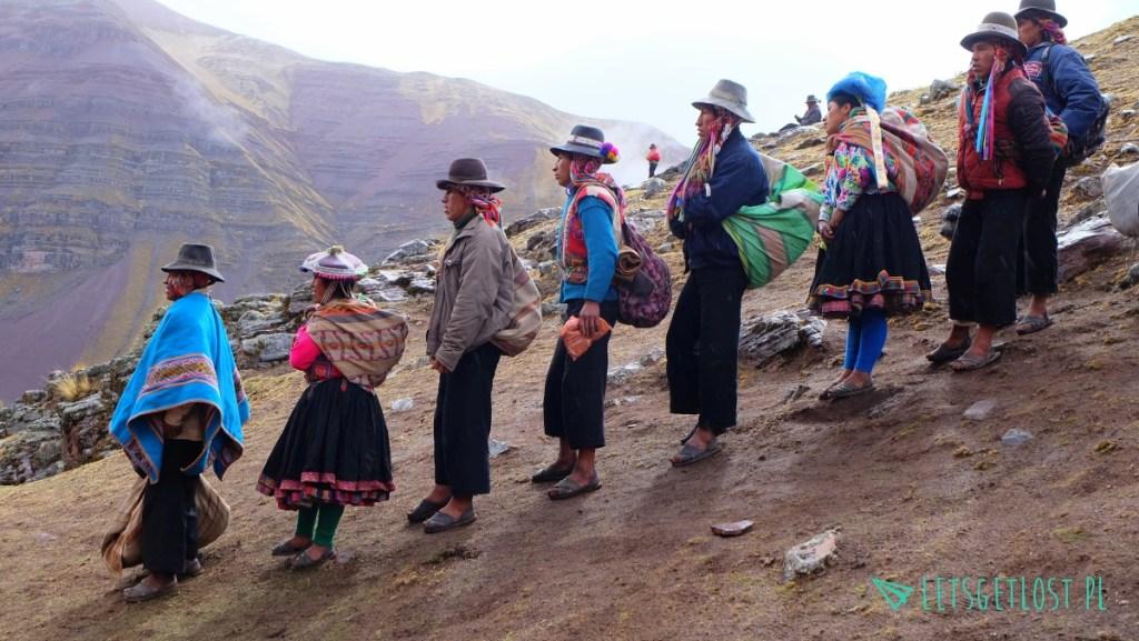 lokalni-przewodnicy-na-rainbow-mountain-w-peru